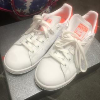 アディダス(adidas)のアディダス✴︎スタンスミス✴︎オレンジ✴︎23センチ(スニーカー)