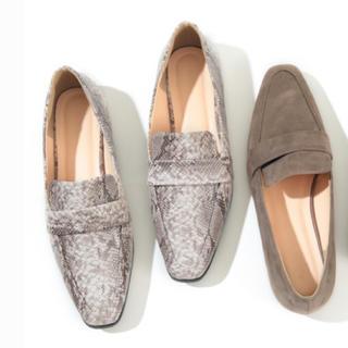 ティティベイト(titivate)のローファー パイソン柄 新品 未使用(ローファー/革靴)