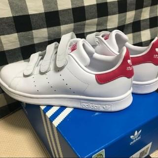 アディダス(adidas)の【新品】adidas スタンスミス ベルクロ(ピンク:22.5cm)(スニーカー)