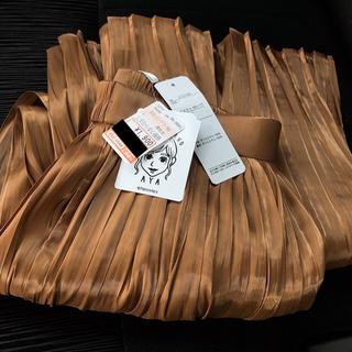 シマムラ(しまむら)のしまむら プチプラのあや シャイニープリーツスカート  Lサイズ  ベージュ(ロングスカート)