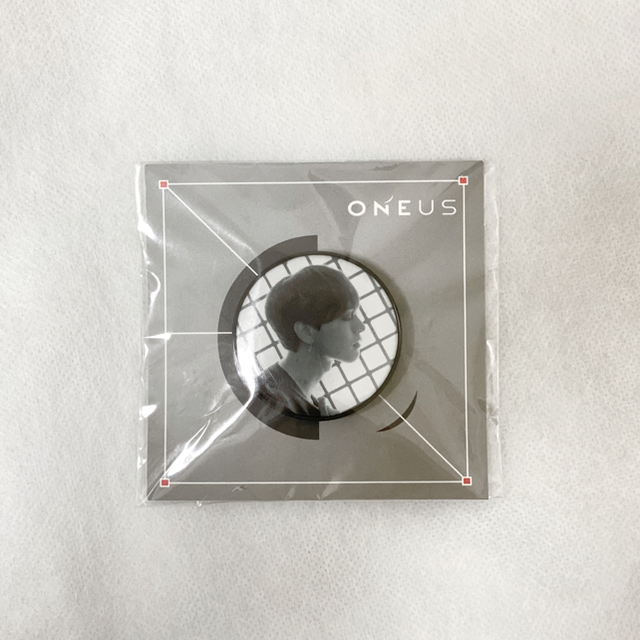 ONEUS グリップ 非売品 レイブン エンタメ/ホビーのタレントグッズ(アイドルグッズ)の商品写真