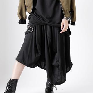 ファンキーフルーツ(FUNKY FRUIT)のサスペンダー付き変形スカート BK ドラッグハニー(ロングスカート)