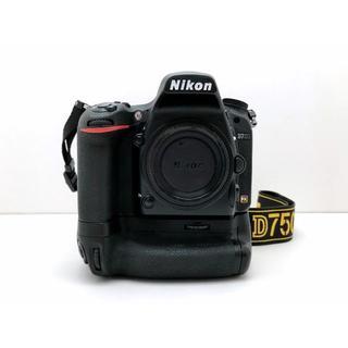 Nikon - 【極美品・ショット数少ない】Nikon ニコンD750