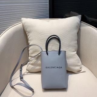バレンシアガ(Balenciaga)のbalenciaga ショルダーバッグ 可愛い 軽量(ショルダーバッグ)