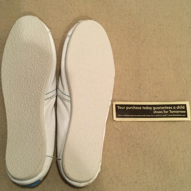TOMS(トムズ)のtoms トムズ 白 レディースの靴/シューズ(スリッポン/モカシン)の商品写真