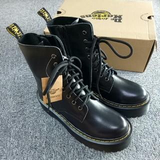 Dr.Martens - UK4 Dr. Martens 8ホール ドクターマーチン ブーツ黒正規品 厚底