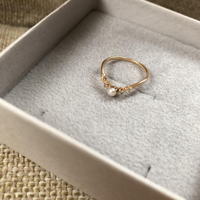 LAZY SUSAN(レイジースーザン)の未使用☆レイジースーザン  10金 パールとダイヤ ピンキーリング レディースのアクセサリー(リング(指輪))の商品写真