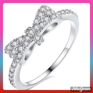 SWAROVSKI - ✨定価5980円✨★SWAROVSKI★ 指輪 リングリボン アクセサリー