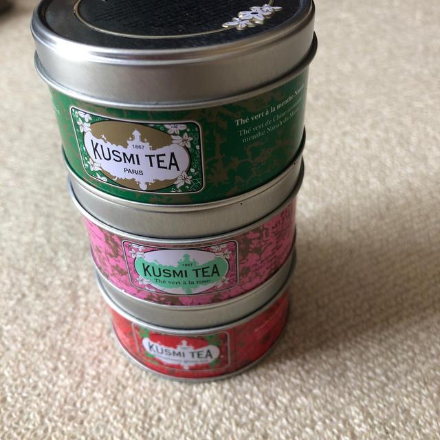 DEAN & DELUCA(ディーンアンドデルーカ)の未開封 クスミティー 3缶 食品/飲料/酒の飲料(茶)の商品写真