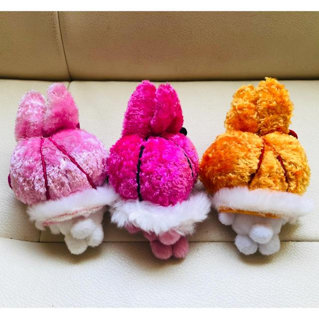 ハローキティ(ハローキティ)のハローキティうさぎぬいぐるみ 冬バージョン ピンク・濃いピンク・オレンジ エンタメ/ホビーのおもちゃ/ぬいぐるみ(キャラクターグッズ)の商品写真