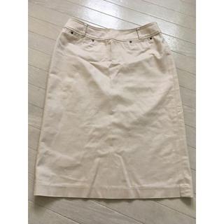 ベージュタイトスカート(ひざ丈スカート)