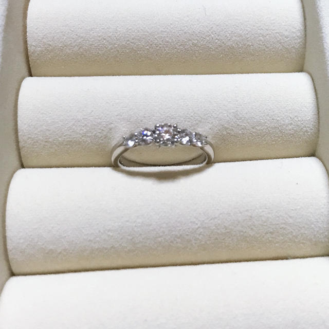 ダイヤモンドリング⭐︎45万>>30万へ値下げしました!値下げ交渉可 レディースのアクセサリー(リング(指輪))の商品写真