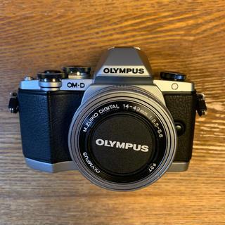 OLYMPUS - OM-D E-M10 14-42EZレンズ付き