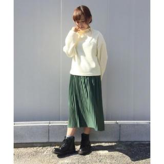 カスタネ(Kastane)のプリーツスカート(緑)(ひざ丈スカート)