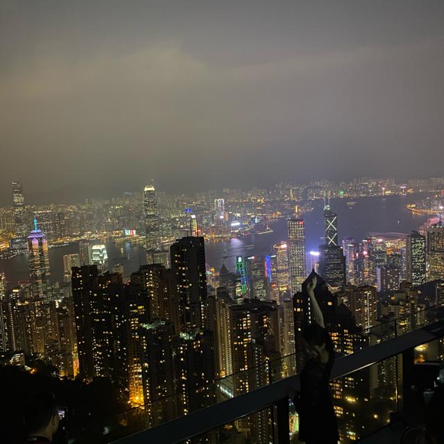 Apple(アップル)の香港 iPhone11PRO 256GB ミッドナイトグリーン スマホ/家電/カメラのスマートフォン/携帯電話(スマートフォン本体)の商品写真