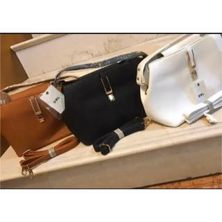 グレイル(GRL)のGRLハンド&ショルダーバッグ+タッセル付きショルダー(ハンドバッグ)