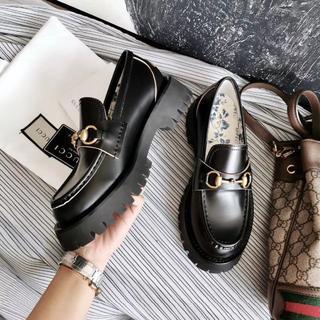グッチ(Gucci)のグッチ ブラック 革靴 ローファー  未使用 Gucci(ローファー/革靴)