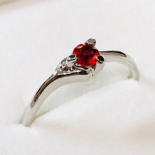 Pt900 赤石のリング