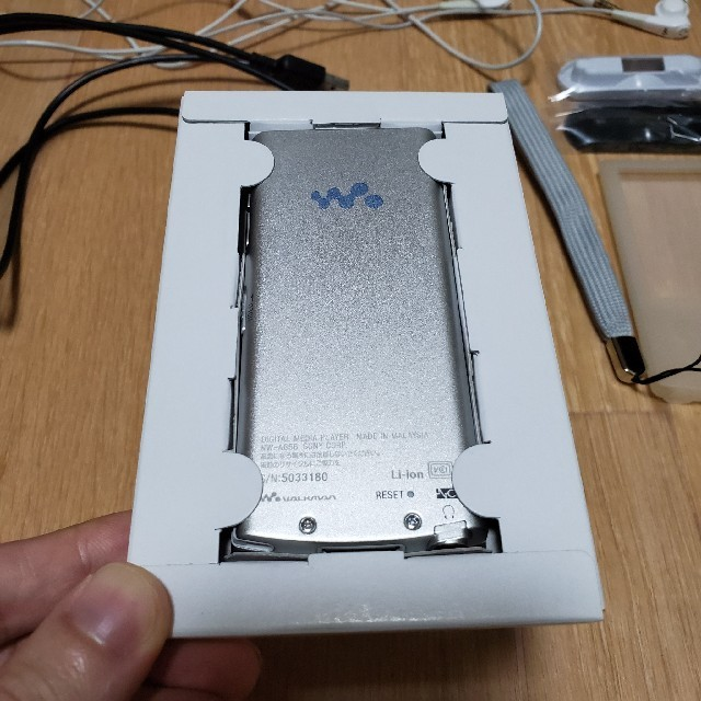 SONY(ソニー)のSONY WALKMAN NW-A856  32GB ホワイト ウォークマン  スマホ/家電/カメラのオーディオ機器(ポータブルプレーヤー)の商品写真