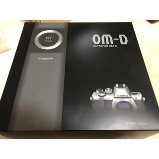 OLYMPUS - OLYMPUS ミラーレスOM-D E-M10 MarkII ボディー シルバー