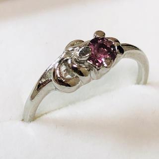 K18WG 薄紫の石のリング