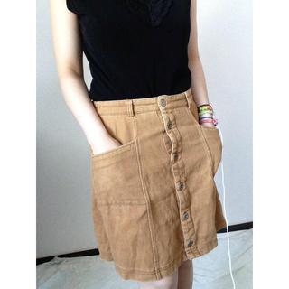 アフリカタロウ(AFRICATARO)のアフリカタロウ、ライトブラウンのコーデュロイスカート(ひざ丈スカート)