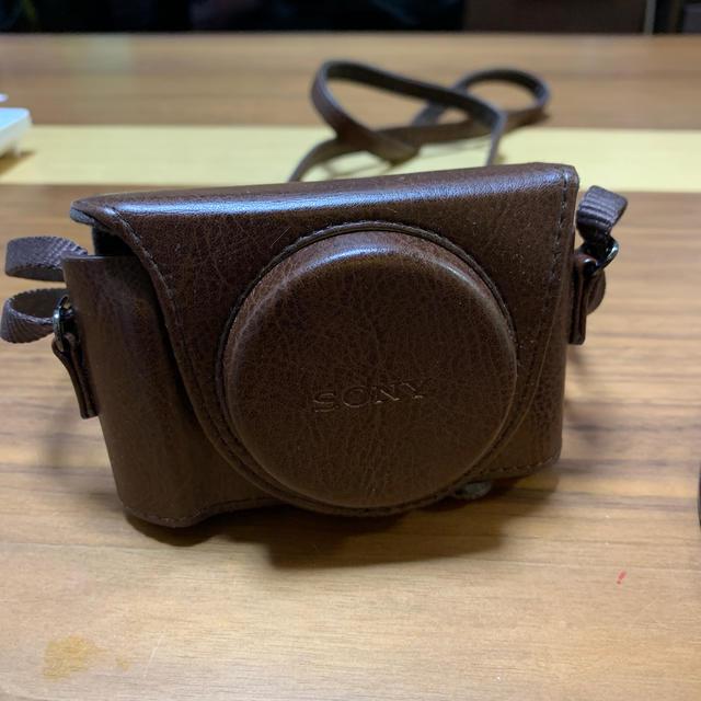 SONY(ソニー)のSONY デジカメとSONY専用ケース付き スマホ/家電/カメラのカメラ(コンパクトデジタルカメラ)の商品写真