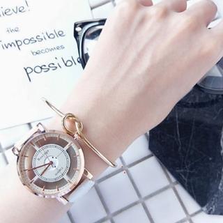 お洒落なアナログウォッチ ホワイト(腕時計)