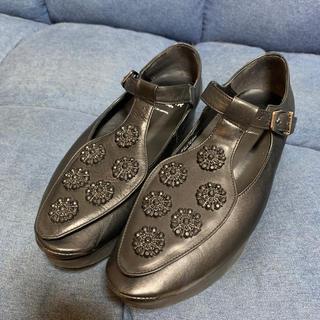 トーキョーボッパー(TOKYO BOPPER)のTOKYO BOPPER NO.502 ビジュー パンプス 黒 美品(ローファー/革靴)