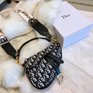 Dior - Dior ショルダーバッグ 超美品 ハンドバッグ 可愛い
