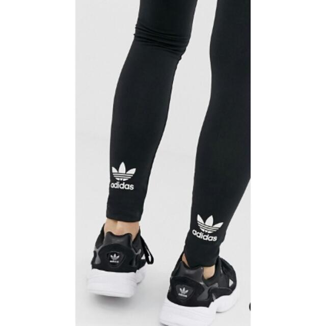 adidas(アディダス)の新品Mサイズ【adidasOriginals】トレフォイルレギンス レディースのレッグウェア(レギンス/スパッツ)の商品写真