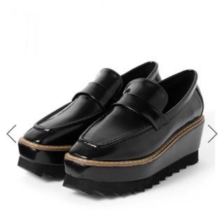 グレイル(GRL)の スクエアトゥシャークソール厚底ローファー(ローファー/革靴)