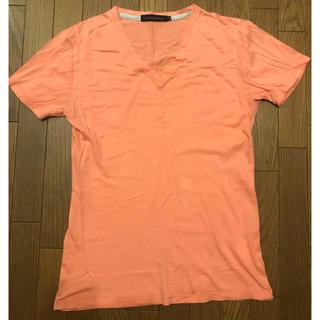フーガ(FUGA)のゴスタール ジ フーガ  VネックTシャツ 薄オレンジ(Tシャツ/カットソー(半袖/袖なし))