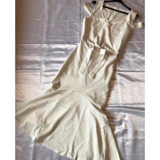 ラスト◆新品タグなし◆インポート◆白◆ミディアムドレス◆美ライン、オフショル(ミディアムドレス)