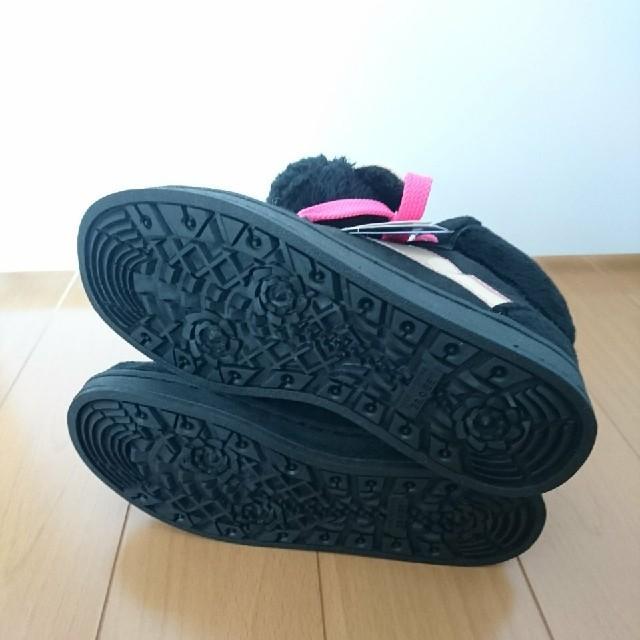 くまマスコット付き スニーカー レディースの靴/シューズ(スニーカー)の商品写真