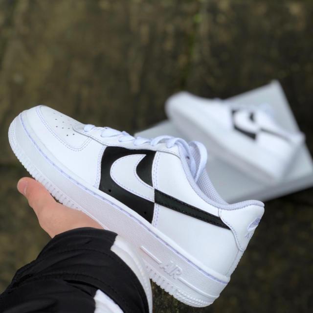 NIKE(ナイキ)のNIKE エアホース1 レッド カスタム レディースの靴/シューズ(スニーカー)の商品写真