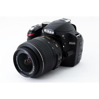 Nikon - ★ガイドメニューで簡単撮影♪WiFi SDカード付き★ニコン D3200