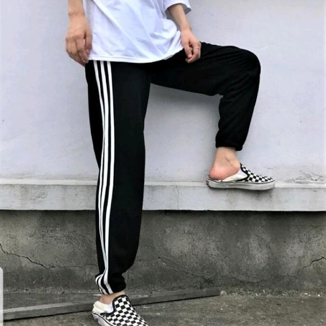 新品未使用 男女兼用 ユニセックス ストリート系 サイドライン ジャージ レディースのパンツ(カジュアルパンツ)の商品写真