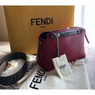 フェンディ(FENDI)のFENDIバック(ショルダーバッグ)