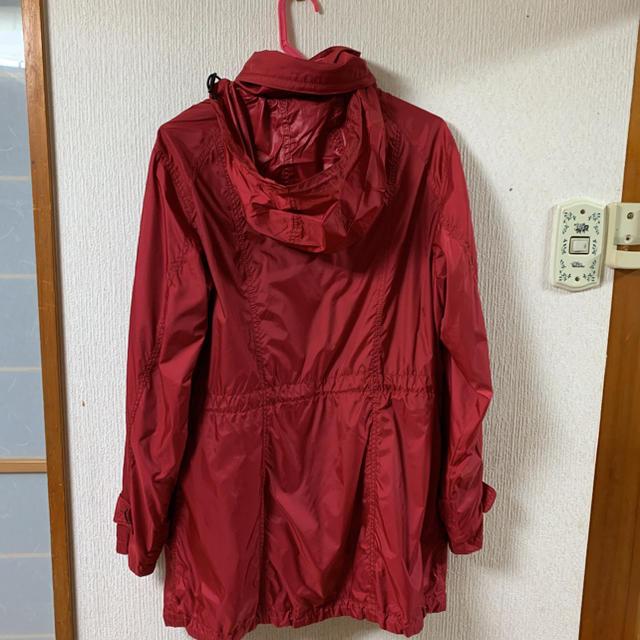 BURBERRY(バーバリー)のバーバリー  ナイロンコート 赤 44 超美品 レディースのジャケット/アウター(ナイロンジャケット)の商品写真