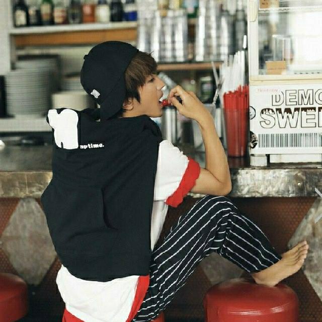 AAA(トリプルエー)のNissy Naptime パーカー 黒 Mサイズ エンタメ/ホビーのタレントグッズ(ミュージシャン)の商品写真