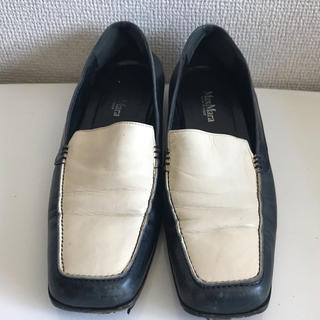 マックスマーラ(Max Mara)のスクエア型ローファー  MaxMara ネイビーホワイト24cm(ローファー/革靴)