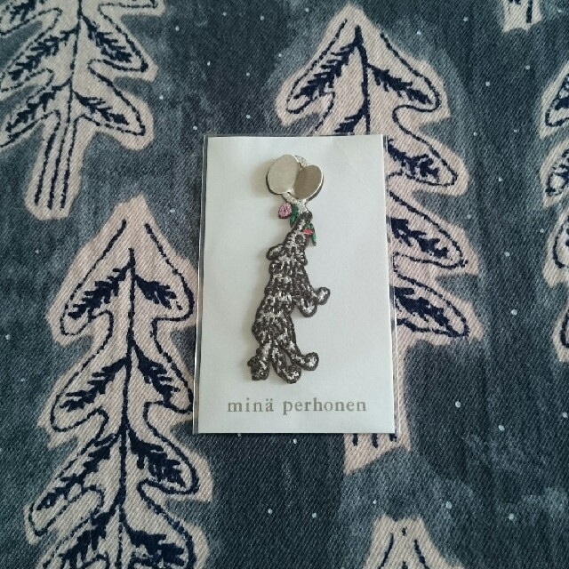 mina perhonen(ミナペルホネン)のミナペルホネン ノベルティ チャーム エンタメ/ホビーのコレクション(ノベルティグッズ)の商品写真
