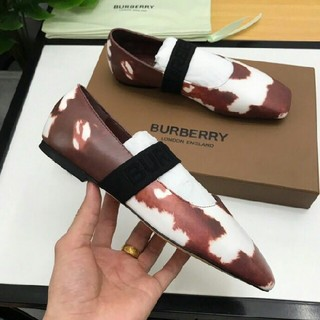BURBERRY -  BURBERRY  パンプス