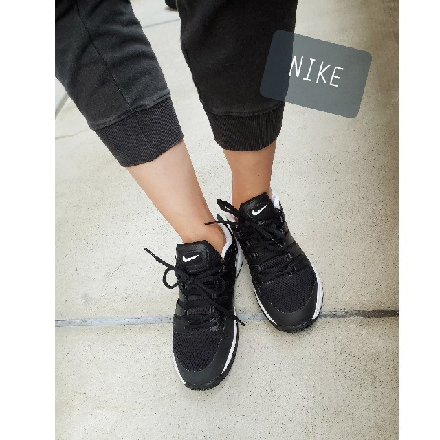 NIKE(ナイキ)のNIKE⚫人気!!ブラック⚫定番スニーカー⚫25cm メンズの靴/シューズ(スニーカー)の商品写真