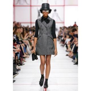 クリスチャンディオール(Christian Dior)の【DIOR/ディオール】 19秋冬コレクション ウールツイードドレス(ひざ丈ワンピース)