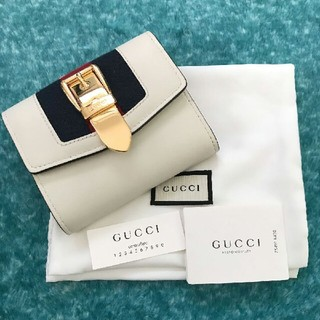 Gucci - GUCCIシルヴィ財布