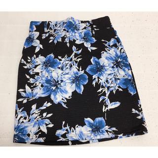 アベイル(Avail)のミニスカート 花柄 ブラック ラメ入り Mサイズ(ミニスカート)