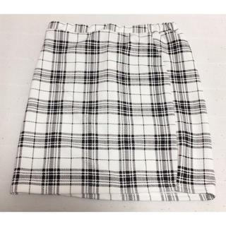 アベイル(Avail)のミニスカート チェック ブラック×ホワイト Mサイズ(ミニスカート)