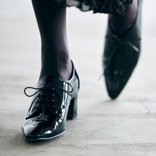 オデットエオディール(Odette e Odile)のOdette e Odile ドレスレースアップ パンプス ローファー(ローファー/革靴)